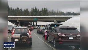 WSDOT urging Washingtonians to not park, walk along mountain pass highways