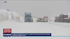 WSDOT warns of 'very challenging 24 hours' on Snoqualmie Pass during expected snowstorm