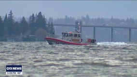 Search continues for skipper presumed drowned after boat found unattended on Lake Washington