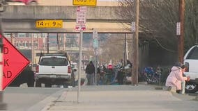 Everett City Council adopts controversial 'no sit, no lie' ordinance targeting homeless