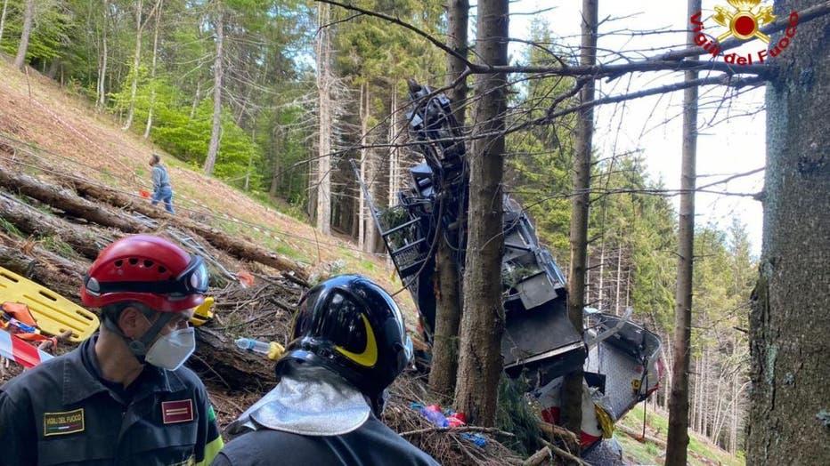 9 killed in Italian cable car crash