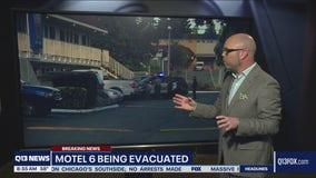 Snohomish County deputies evacuate Motel 6 amid standoff with assault suspect