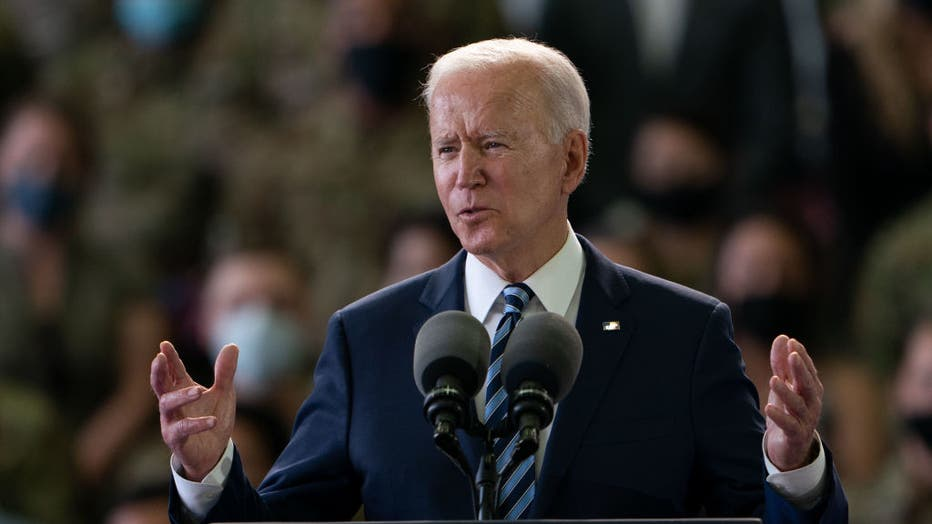 0c980f8f-US President Biden And The First Lady Arrive In The UK Ahead Of The G7 Summit