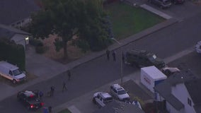 Sheriff's deputy killed in line of duty in Vancouver, Washington; 2 people detained