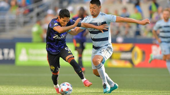 Sporting KC beats Sounders 3-1 to pull closer in West