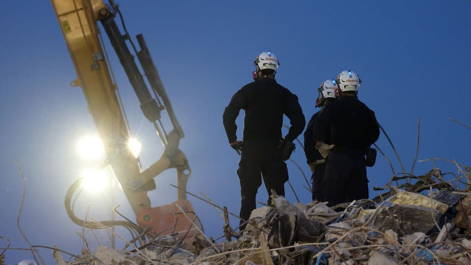 b9557f38-Search Shifts To Recovery Operation At Surfside Condo Collapse
