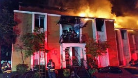 5 people rescued from Bellevue apartment fire