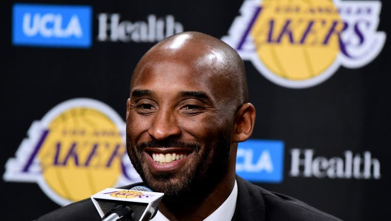 d599e147-Golden State Warriors v Los Angeles Lakers