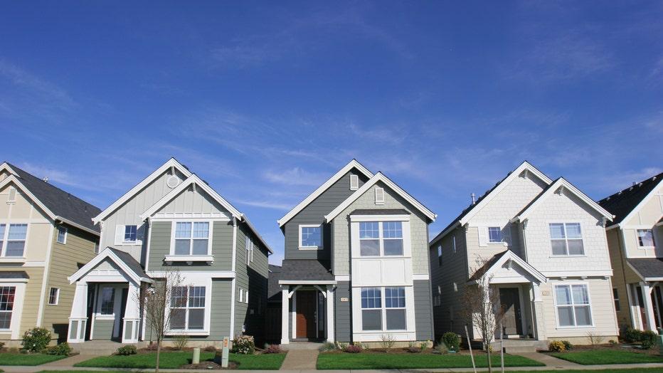 Credible-daily-mortgage-refi-rates-iStock-140396198.jpg
