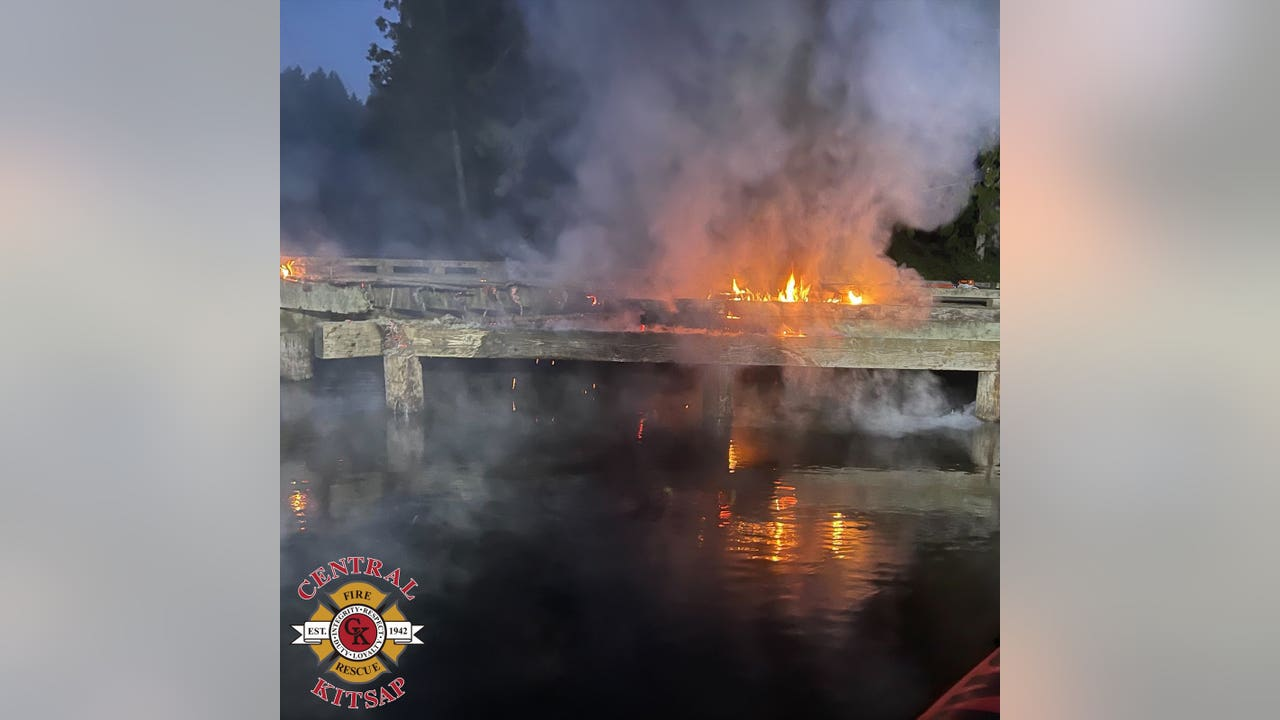 Firefighters put out flames at Kitsap County fishing pier