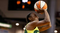 Jewell Loyd ties record with 37 points; Storm top Mercury to get first-round bye in playoffs