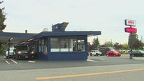 Everett staple cuts back open hours with worker shortage