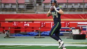 Seahawks continue shuffle, place trio on injured reserve