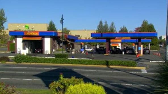 Man shot by Federal Way police after attempting to carjack people at gunpoint