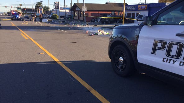 1 killed in Everett crash