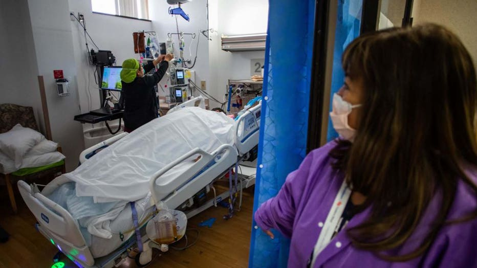 Nurse COVID ICU