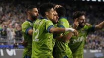 Sounders beat Whitecaps, clinch 13th straight playoff berth
