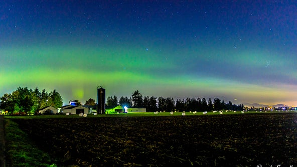 Northern Lights put on brilliant colorful display over Seattle