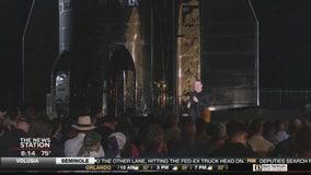 Elon Musk shows off Starship