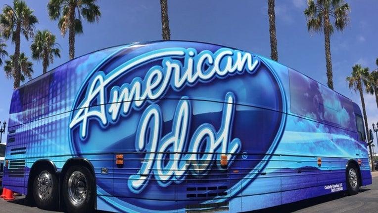 d6908de8-american idol bus disney springs_1501772870903-402429.jpg