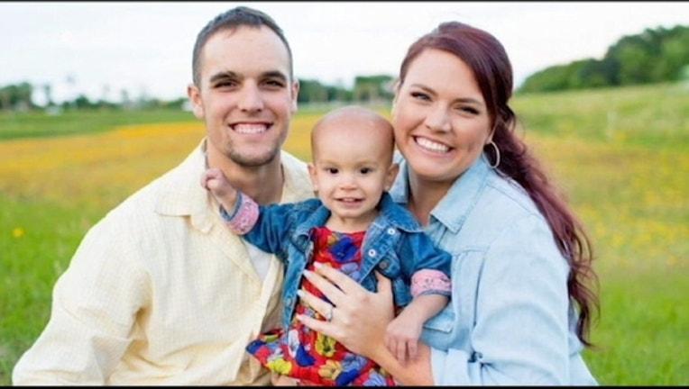 5152a8e6-cop saves baby pkg.mp4_1468459935465-402429.jpg