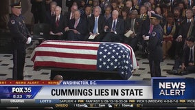 Elijah Cummings lies in state
