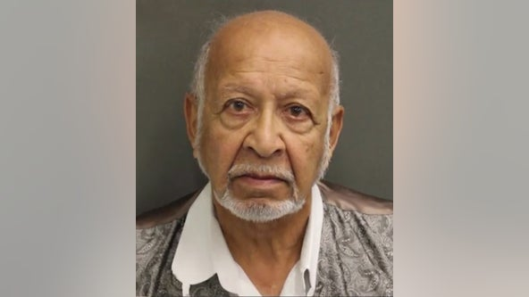 77-year-old man accused of impersonating an Orange County deputy