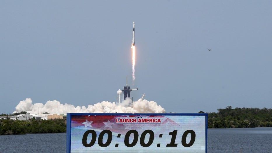 GETTY-Crew-Dragon-spacecraft.jpg