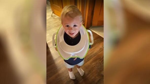 Toddler gets his head stuck in toilet seat, dad has to cut it off with saw