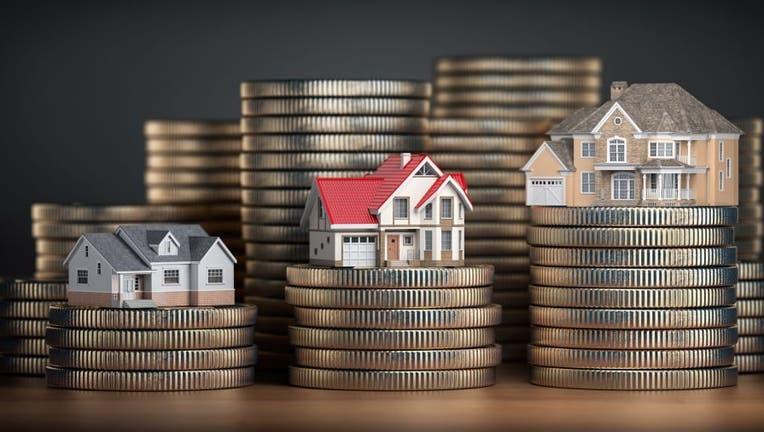 Credible-mortgage-refinance-savings-amount-iStock-1130124948.jpg