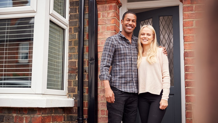 Credible-mortgage-refinances-up-iStock-1171097735.jpg