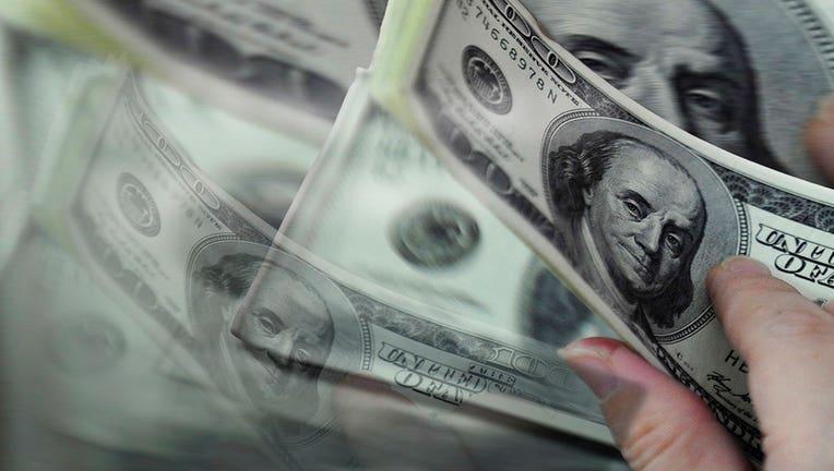 327d1abf-9d04846c-54def5db-money-cash-wage_1442866085822_229865_ver1.0_1280_720-1.jpg