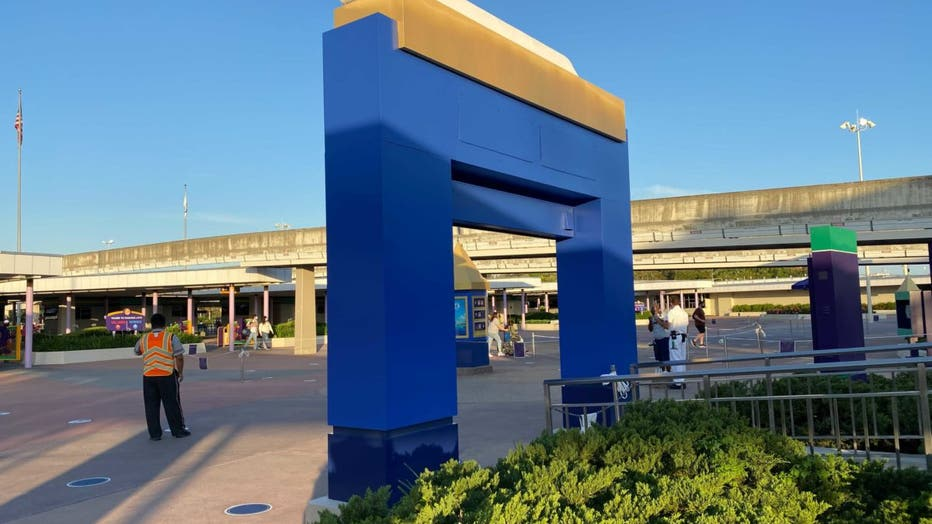 WDWNT-epcot-monorail-archway-4-042821.jpeg.jpg