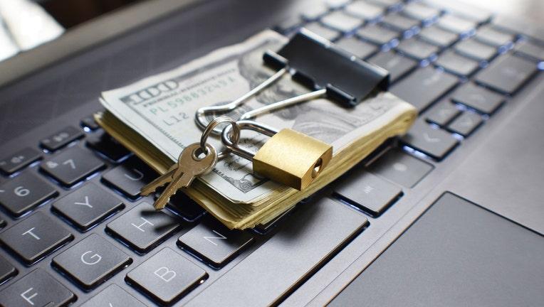Credible-personal-loan-scams-iStock-1301225502.jpg
