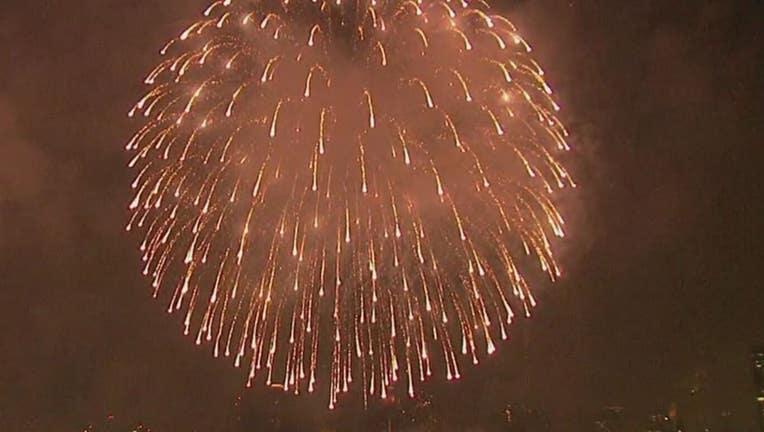 04187815-fireworks2