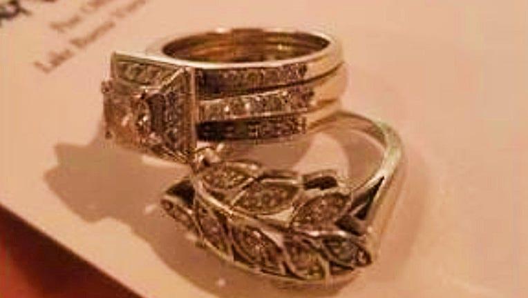 missing-rings-marty-3.jpg